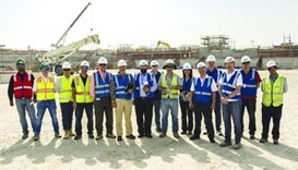 Workers' union and SC inspect World Cup projects