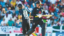 Jason Roy (right) and Joe Root
