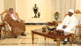 Defence minister meets Sudan president