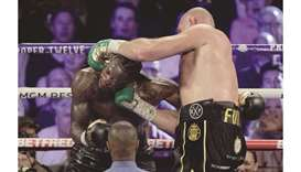 Sensational Fury crushes Wilder in heavyweight fight
