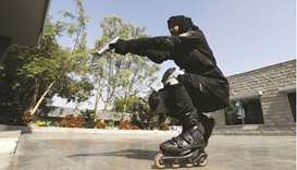 Police on rollerblades deploy in Karachi