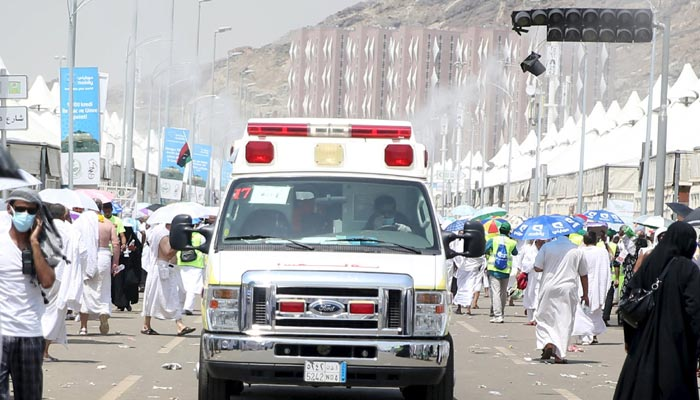 More than 717 pilgrims die in stampede in Haj disaster
