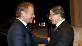 Turkish Prime Minister Ahmet Davutoglu (R) and European Council President Donald Tusk meet in Ankara