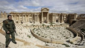 Syrian army fights Islamic State at gates of Palmyra