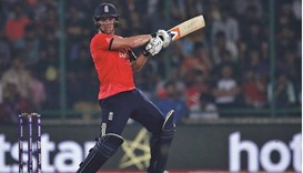 Roy's belligerent knock steers England into final