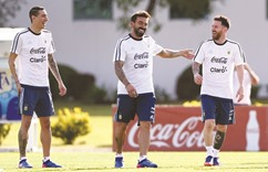 Argentina face Chile test in World Cup race