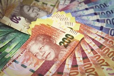 Rand rally seen fading by Old Mutual as political risk lingers