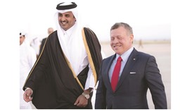 Emir arrives in Jordan to take part in Arab Summit