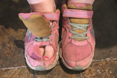 12-yr-old wins rotten sneaker contest in NY