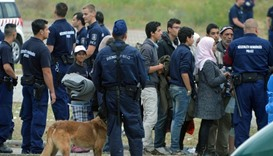 Hungary to detain all asylum-seekers