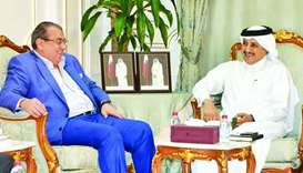 Sheikh Khalifa and al-Kabariti during a meeting held in Doha