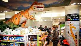 Toys 'R' Us to liquidate all US stores