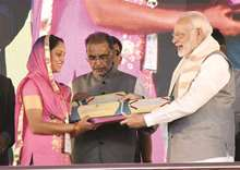 Farmers, scientists need to work together: PM