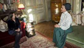 Sheikha Moza meets Paris mayor, Arab World Institute president