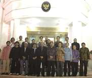 Indonesian ambassador hosts lecture on cancer for community