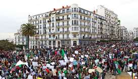 Algerian army chief, ruling party support protesters