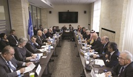 Syrian peace talks limp on to next week