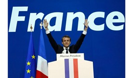 Macron tops French vote, to fight Le Pen for presidency