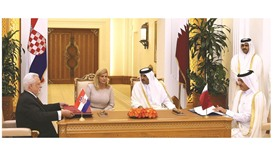 Emir, Croatian president hold talks, witness signing of pacts
