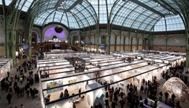 Thieves snatch jewels from Paris art show