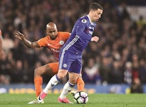 Hazard fires Chelsea title charge, Spurs still in hunt