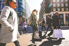 UK retail sales slide in Q1 after March snow