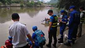 Two Chinese dragon boats capsize in river, 17 killed