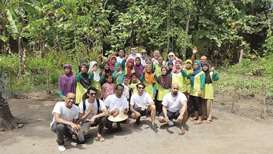 Rota takes 18 QU volunteers to Indonesia for community service