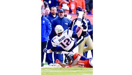 Patriots opt to tackle guard play
