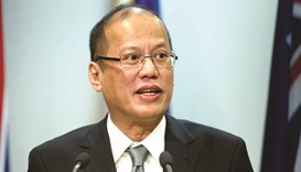 Aquino urges 'united front' against Duterte