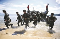 Philippine, US troops train for relief operations