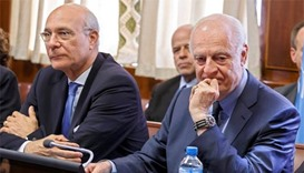 Fresh Syria peace talks off to another stumbling start