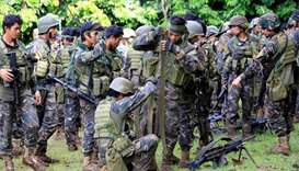 Philippine troops bomb militants in southern city