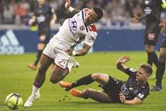 Lyon beat Nice and pip Marseille to Champions League spot