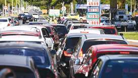 Fearing fuel shortage caused by the truckers' national strike, motorists in Brasilia rush to gas sta