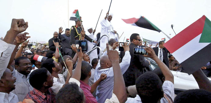 Bashir leaves S Africa, defying order by court