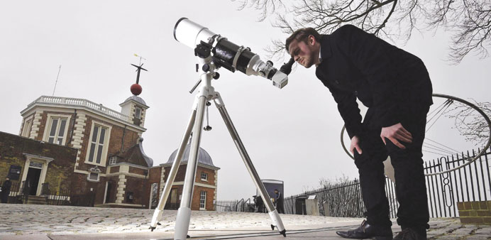 Londoners head for the hills to see eclipse
