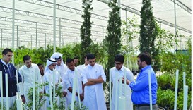 Students from Ali Bin Jassim Bin Mohammed Al-Thani Secondary Independent School for Boys visit the Q