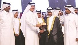 Qapco supports independent school graduation ceremony