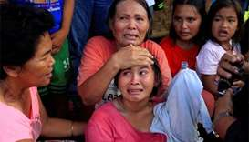 Militants flee, hostages freed in Philippine town