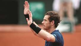'Smart' Murray downs Del Potro, steady Stan marches on in Paris