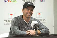 Casey's stunning 62 leaves Englishman atop Travelers