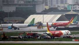 Pilots suspended after VietJet plane skids off runway