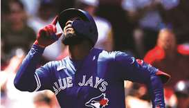 Blue Jays belt eight HRs in rout of Red Sox