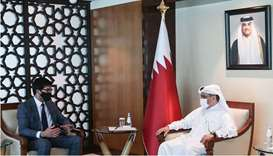 Qatar, UK review cooperation in trade, investment