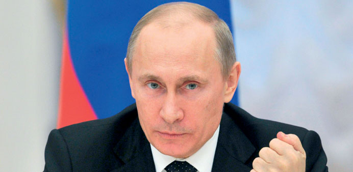 Putin signs foreign bank account ban for officials