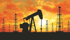 IEA says oil glut remains a major dampener on prices