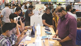 Electronic products and apparel see brisk sales