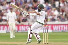 Amla leaves England with mountain to climb in second Test