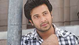 Court allows Shakib Khan to work in three movies